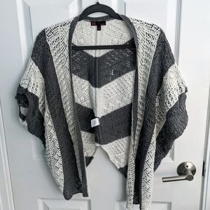T/o sweaters grey and white short sleeve cardigan